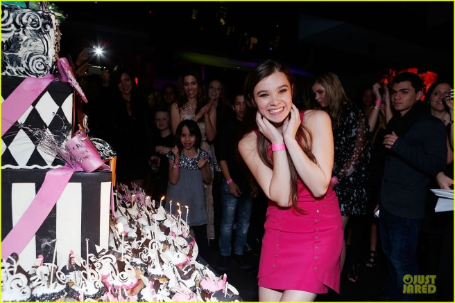 hailee-steinfeld-sweet-16-celebration-10