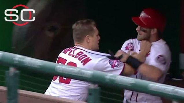 Papelbon Choking Harper