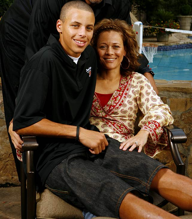 stephen-curry-mom-sonya-076434083