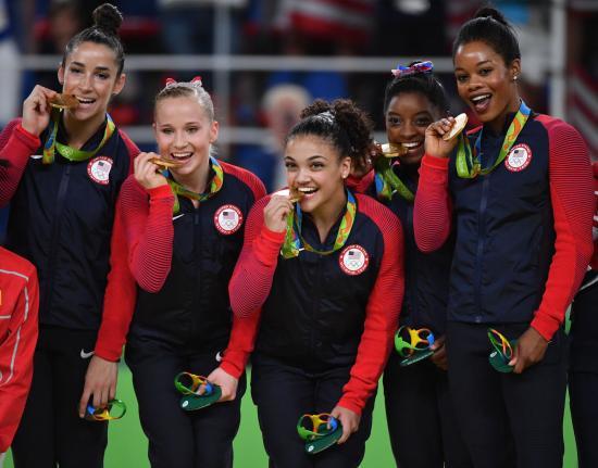 Olympics-USAs-Fierce-Five-wins-Gold-in-Womens-Gymnastics_1_1