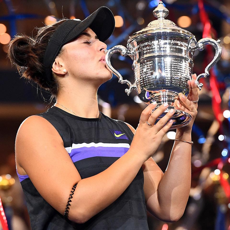 bianca_andreescu_us_open_trophy